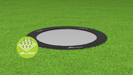 Akrobat_Primus_round_Black_on_grass