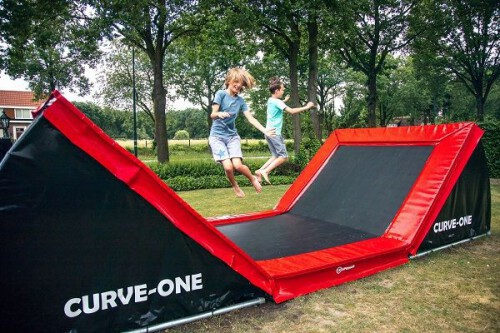 12SPRINGS CURVE-ONE Trampoline